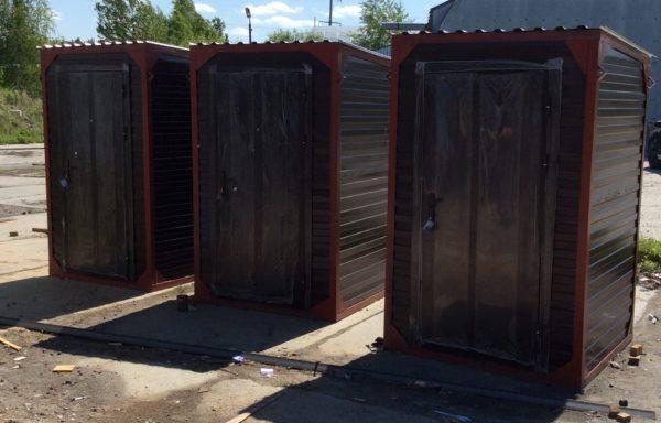 Туалет уличный металлический,утеплённый. (1,45х1,45х2,20).комфорт